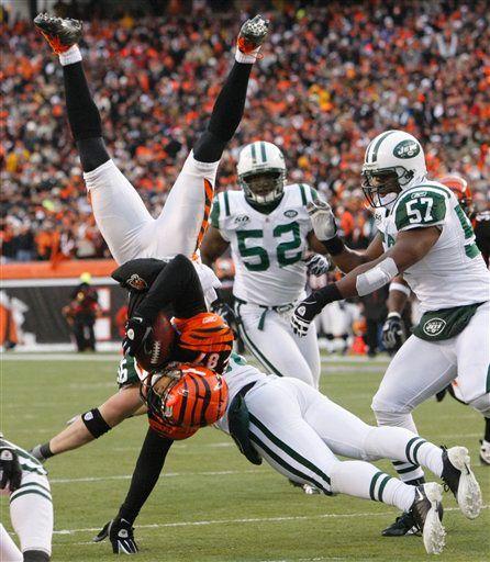 Nawet tak efektowne zagrania nie pomogły Bengals i to Jets grają dalej. PHOTO AP / Ed Reinke