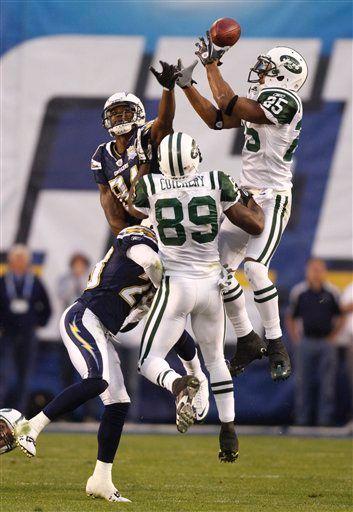 Futboliści New York Jets wyżej skakali od Chargers i to oni zagrają w finale konferencji AFC.  PHOTO @ AP / Denis Poroy